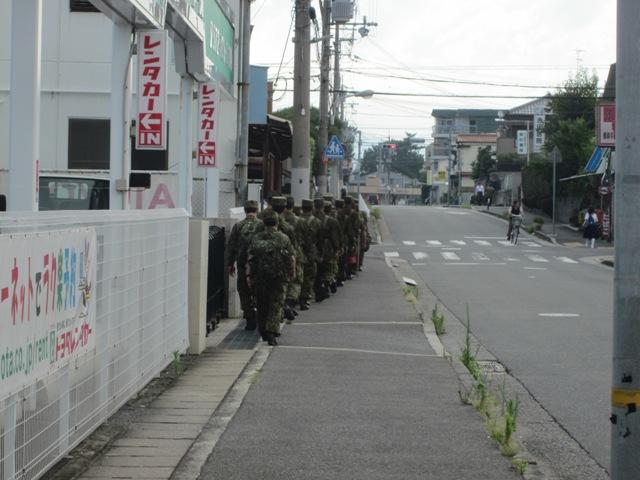 20130718 伊丹朝 自衛隊行軍